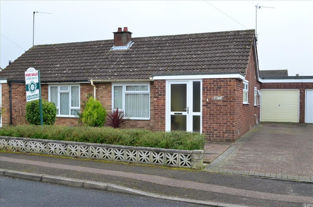 1 Bedroom Semi Detached Bungalow for sale in Elm Walk, Royston, SG8