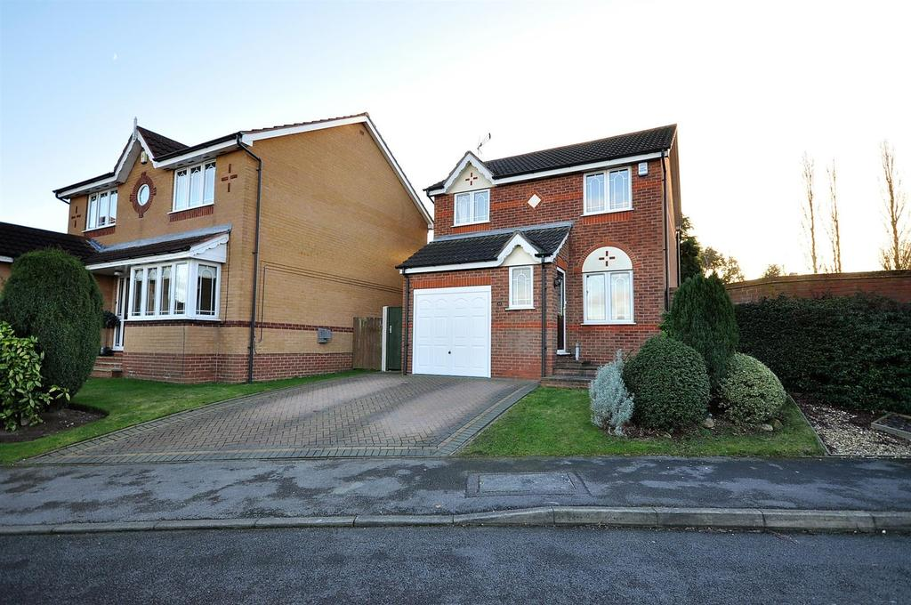3 Bedrooms Detached House for sale in Bransdale Avenue, Forest Town