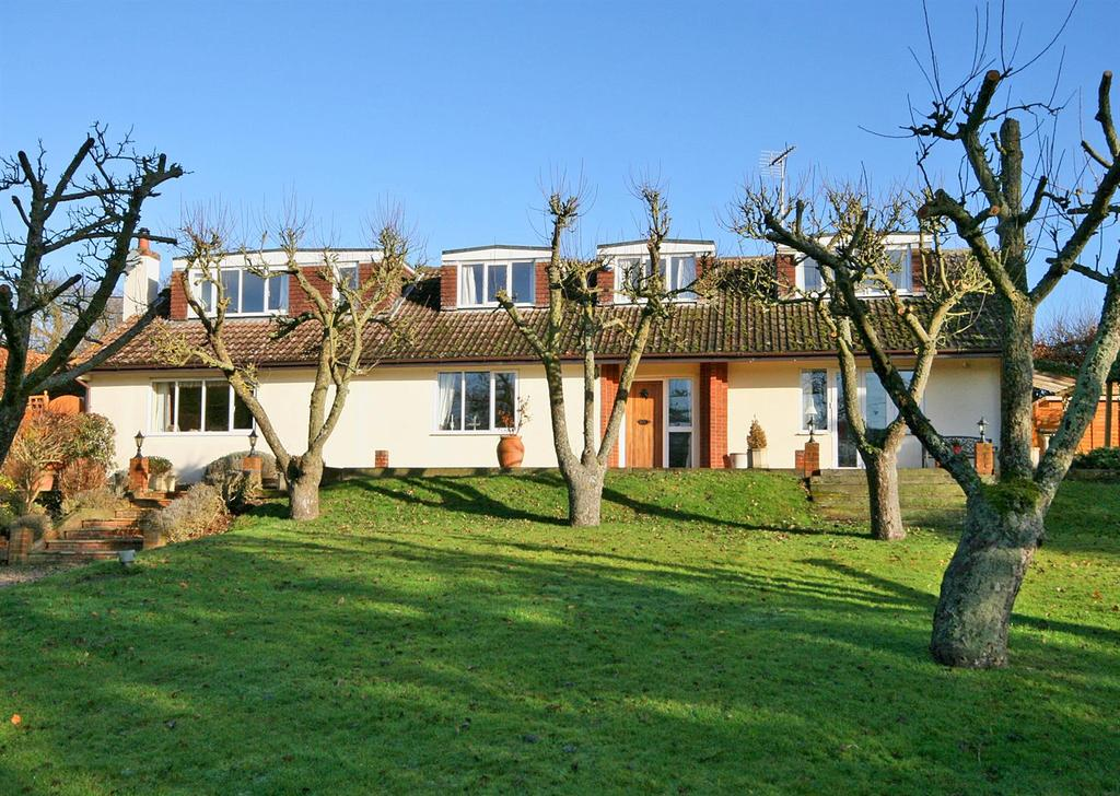 4 Bedrooms Detached House for sale in Sandon Lane, Buntingford