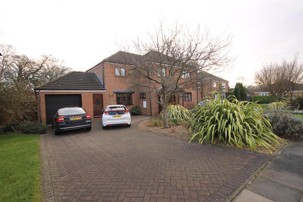 5 Bedrooms Detached House for sale in Northbrook Court, Hartlepool