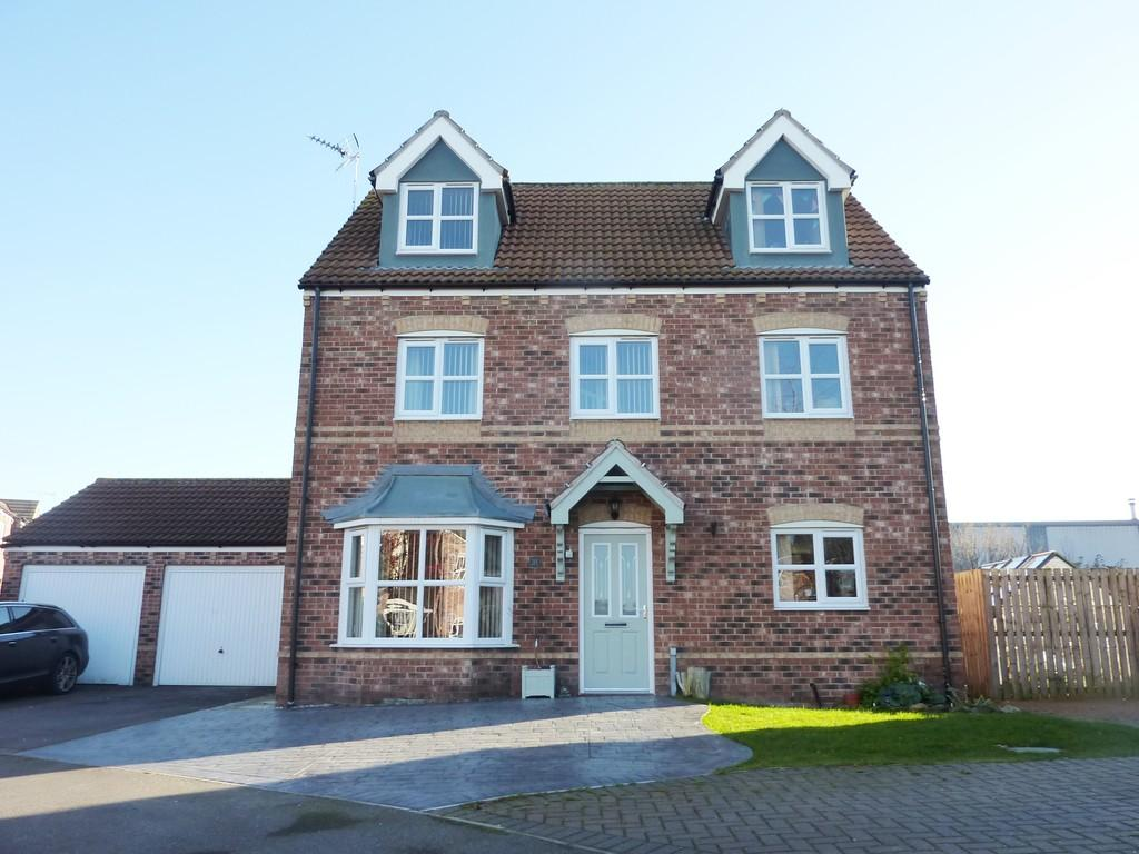 5 Bedrooms Detached House for sale in Portland Road, Retford