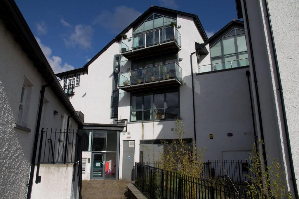 1 Bedroom Flat for sale in 7 St Martins Court, St Martins Parade, Bowness On Windermere, Cumbria, LA23 3GQ