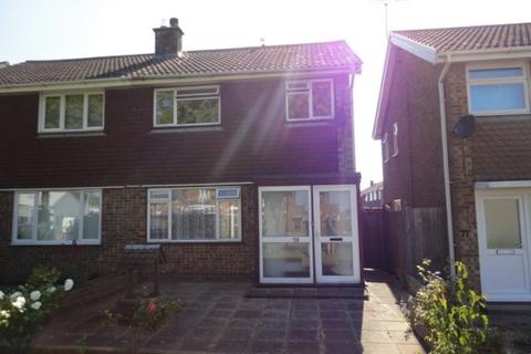 3 bedroom semi-detached house to rent - Gainsborough Crescent, Eastbourne