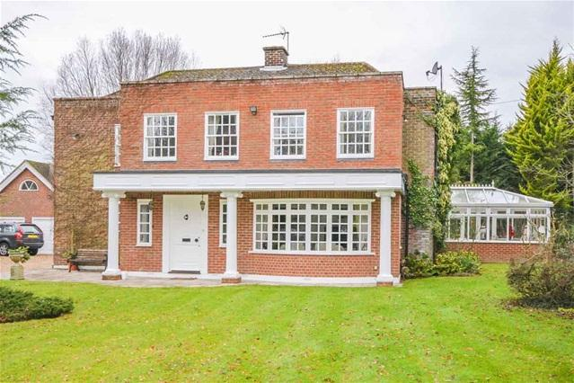 5 Bedrooms Detached House for sale in Bromley Lane , Wellpond Green, Ware