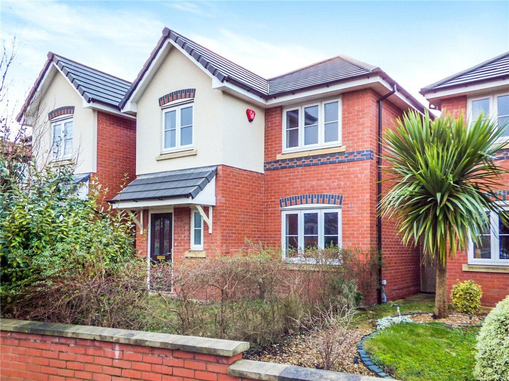 4 Bedrooms Detached House for sale in Common Edge Road, Blackpool, Lancashire