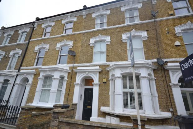 2 Bedrooms Flat for sale in Ferndale Road Clapham, London, SW4