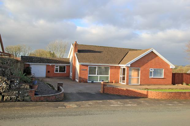 3 Bedrooms Detached Bungalow for sale in Bolahaul Road, Cwmffrwd, Carmarthen, Carmarthenshire