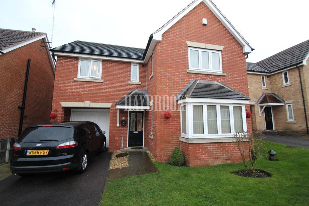 4 Bedrooms Detached House for sale in Kew Court, Swinton