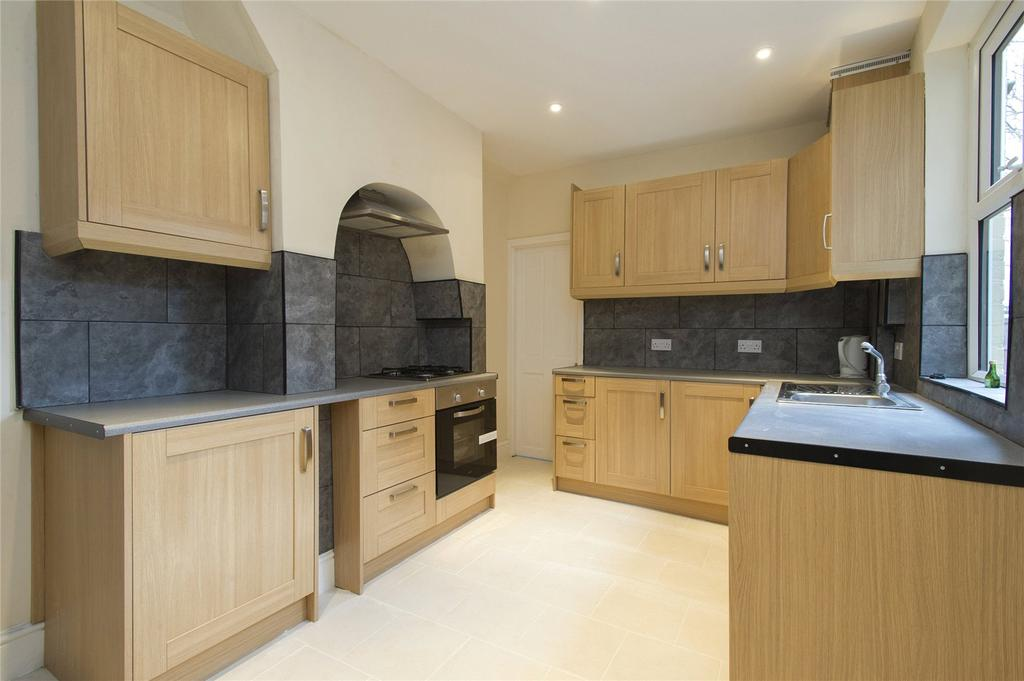 4 Bedrooms Semi Detached House for sale in Waldeck Road, Carrington, Nottingham, NG5