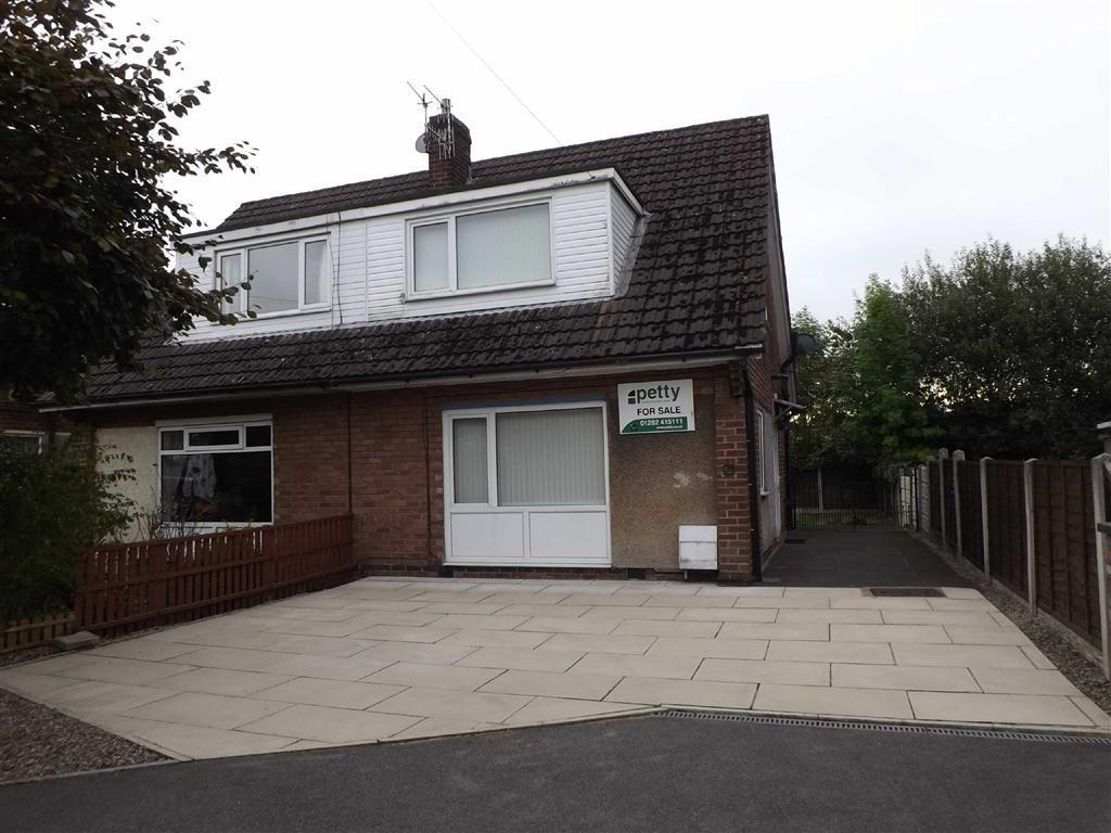 3 Bedrooms Semi Detached House for sale in Minehead Avenue, Burnley, Lancashire