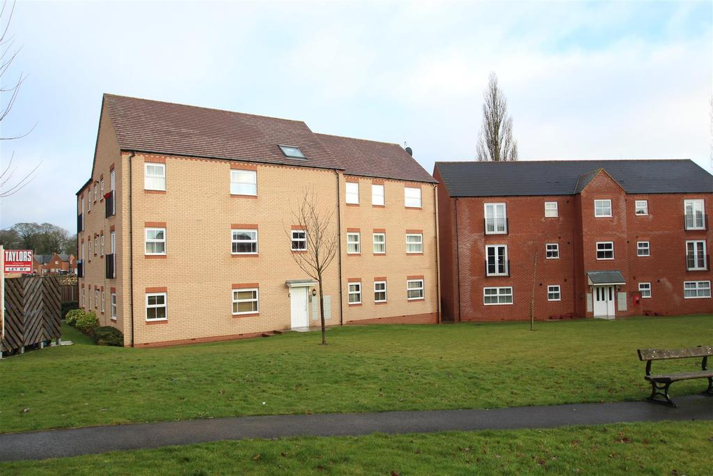 2 Bedrooms Apartment Flat for sale in Walkers Way, Roade, Northampton