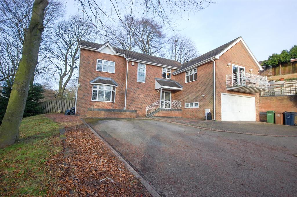 4 Bedrooms Detached House for sale in Cavalier Way, Silksworth Sunderland