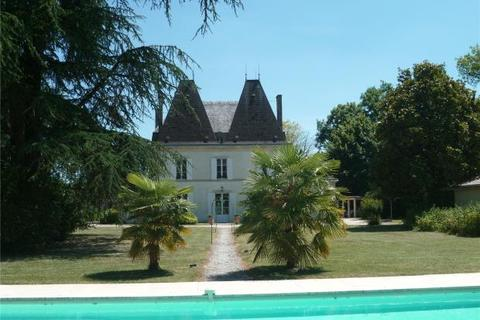 12 bedroom detached house  - Chateau On The Banks, Bordeaux, Gironde