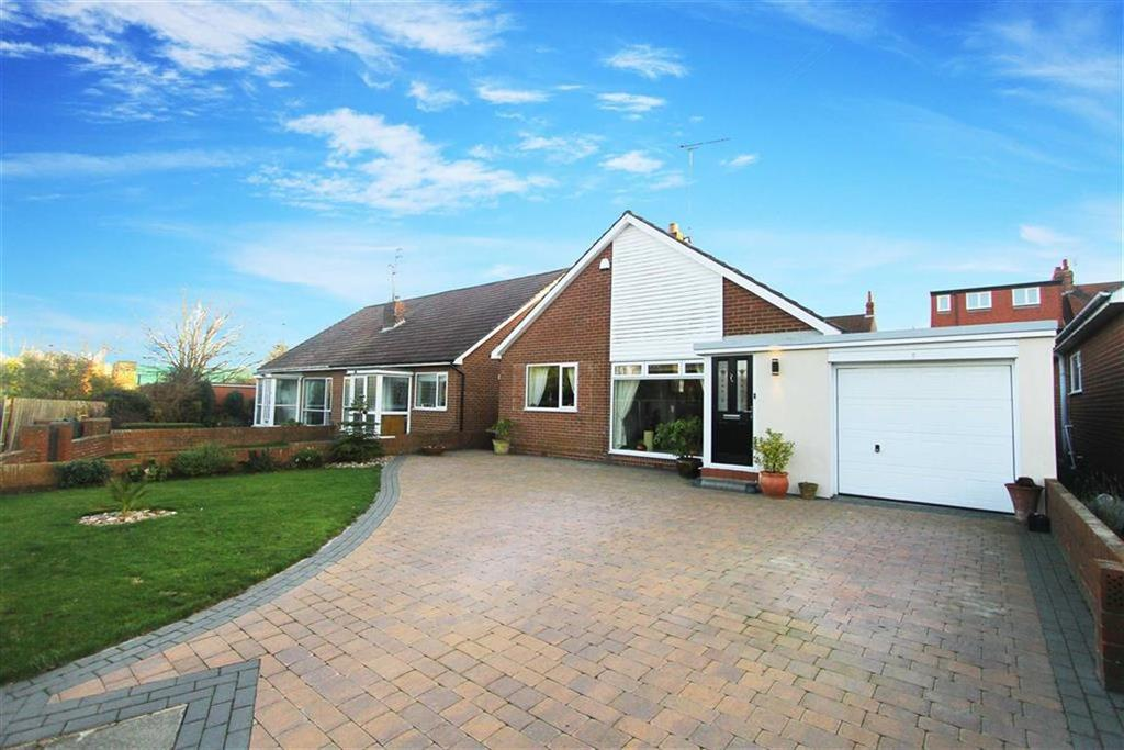 2 Bedrooms Bungalow for sale in Holmlands Close, Monkseaton, Tyne And Wear