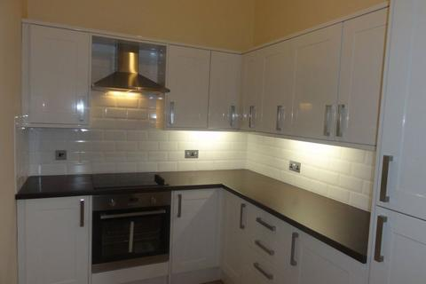 3 bedroom flat to rent - 52 (1F2) Haymarket Terrace