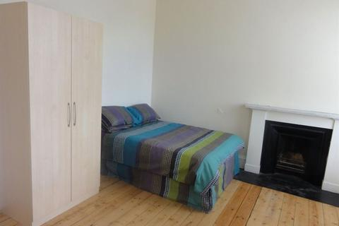 5 bedroom flat to rent - Haymarket Terrace - 5 Bed - 8110