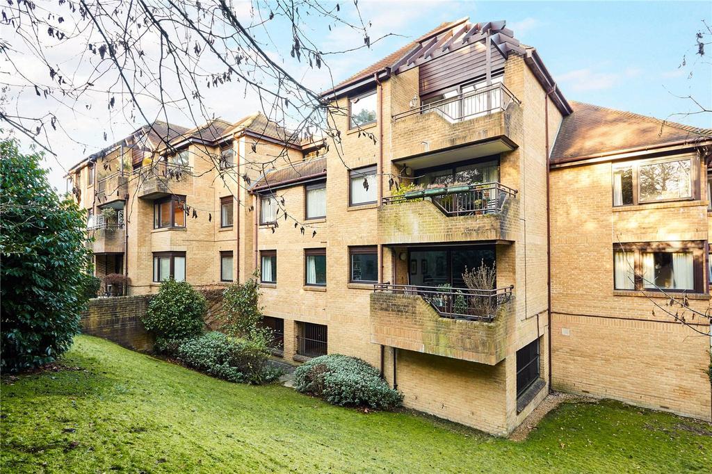 2 Bedrooms Flat for sale in Sandrock House, Sandrock Road, Tunbridge Wells, Kent, TN2