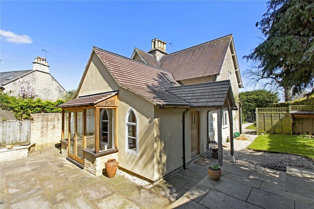 3 Bedrooms Cottage House for sale in Somerford Road, Cirencester, Gloucestershire, GL7