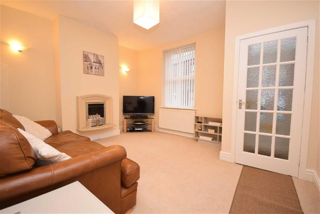 3 Bedrooms Terraced House for sale in Grosvenor Street, Colne, Lancashire