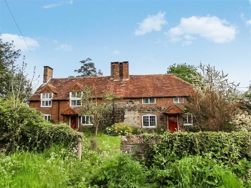 4 Bedrooms Cottage House for sale in Fisher Street, Petworth, West Sussex, GU28