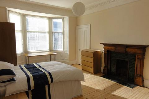 5 bedroom flat to rent - 74 (4F2) Haymarket Terrace