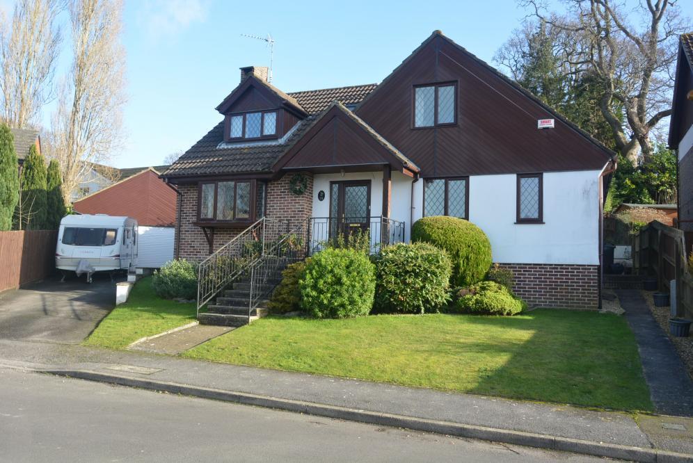 4 Bedrooms Detached House for sale in WIMBORNE