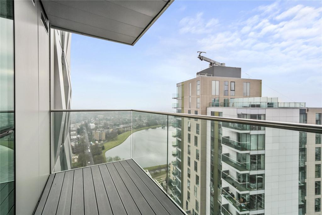 2 Bedrooms Flat for sale in Skyline Apartments, Devan Grove, London