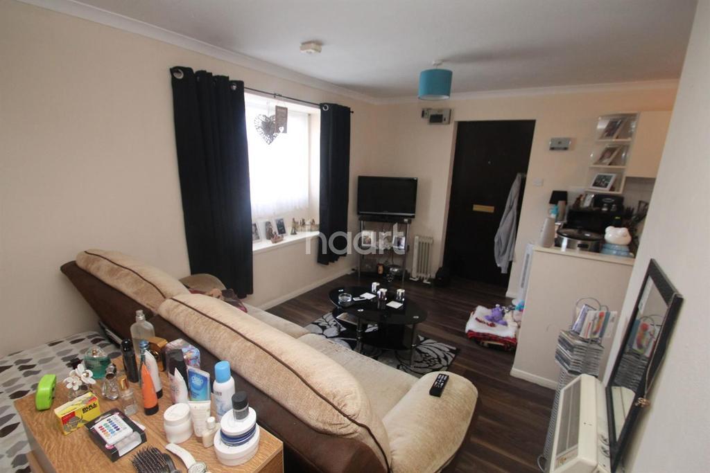 1 Bedroom Flat for sale in Highwoods, Colchester