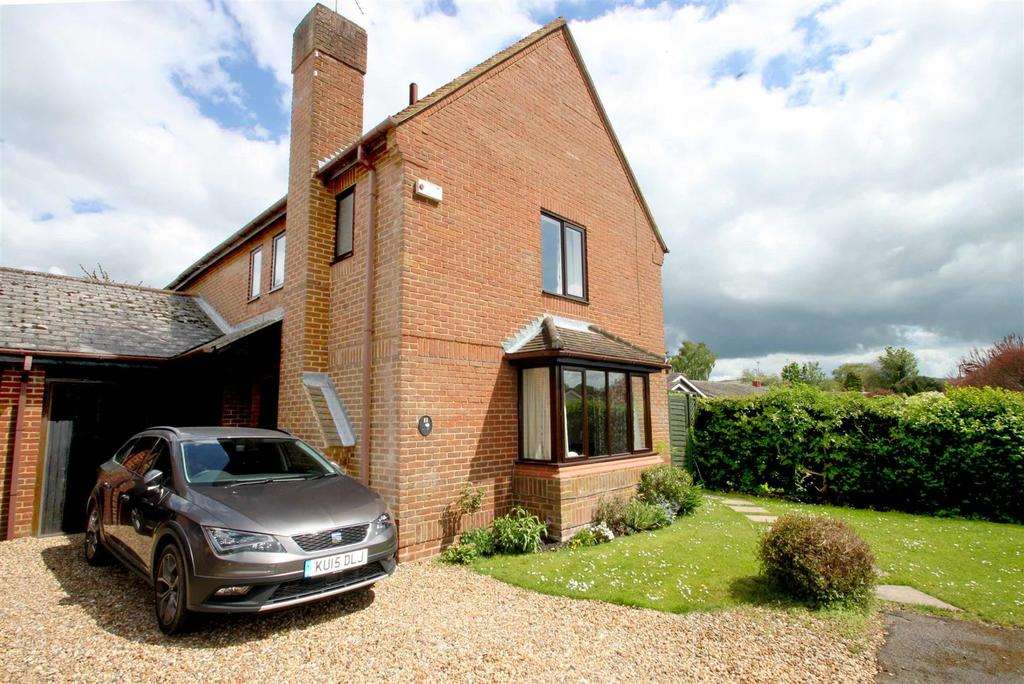 4 Bedrooms Link Detached House for sale in The Meadows, Watlington