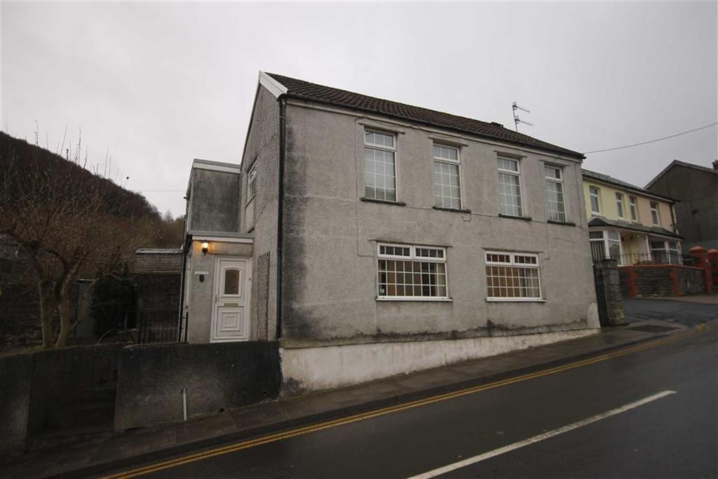 4 Bedrooms Detached House for sale in Bailey Street, Bargoed, CF81