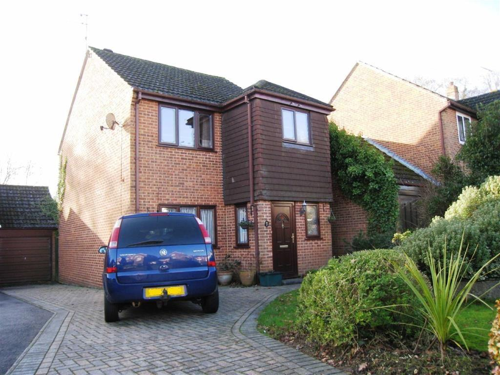 3 Bedrooms Detached House for sale in Canford View Drive, Wimborne, Dorset
