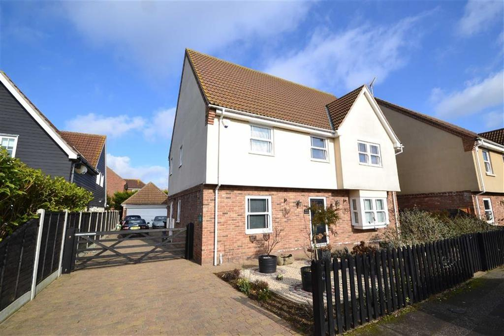 5 Bedrooms Detached House for sale in Bouvel Drive, Burnham-on-Crouch, Essex
