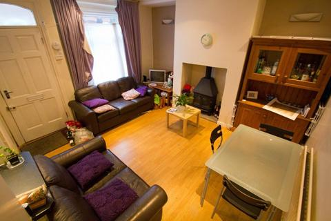 3 bedroom terraced house to rent - Granby Place, Headingley, LS6 3BD