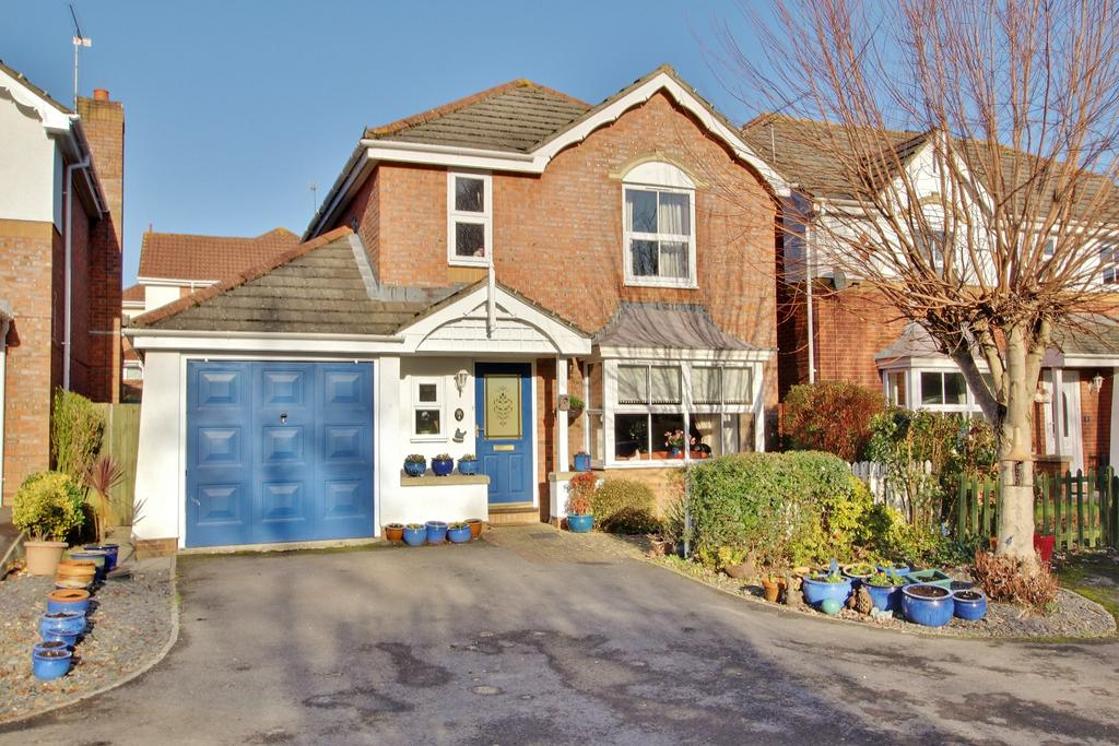4 Bedrooms Detached House for sale in CHANDLER'S FORD