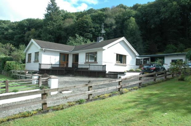 4 Bedrooms Detached Bungalow for sale in Felindre, Llandysul, Carmarthenshire
