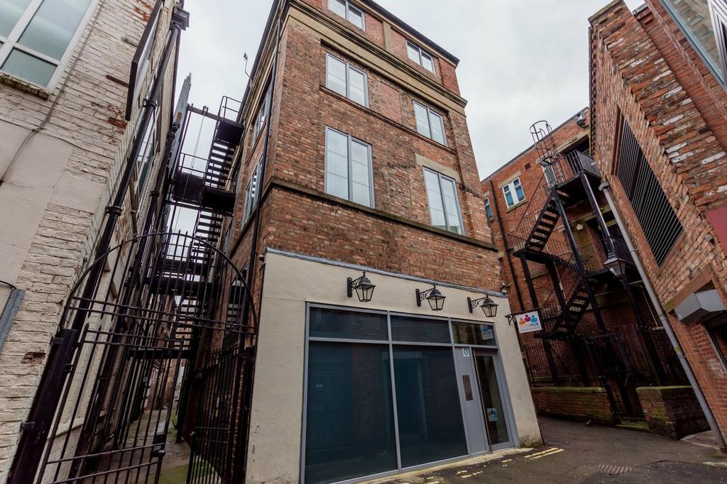 2 Bedrooms Flat for sale in Peter Lane, YORK