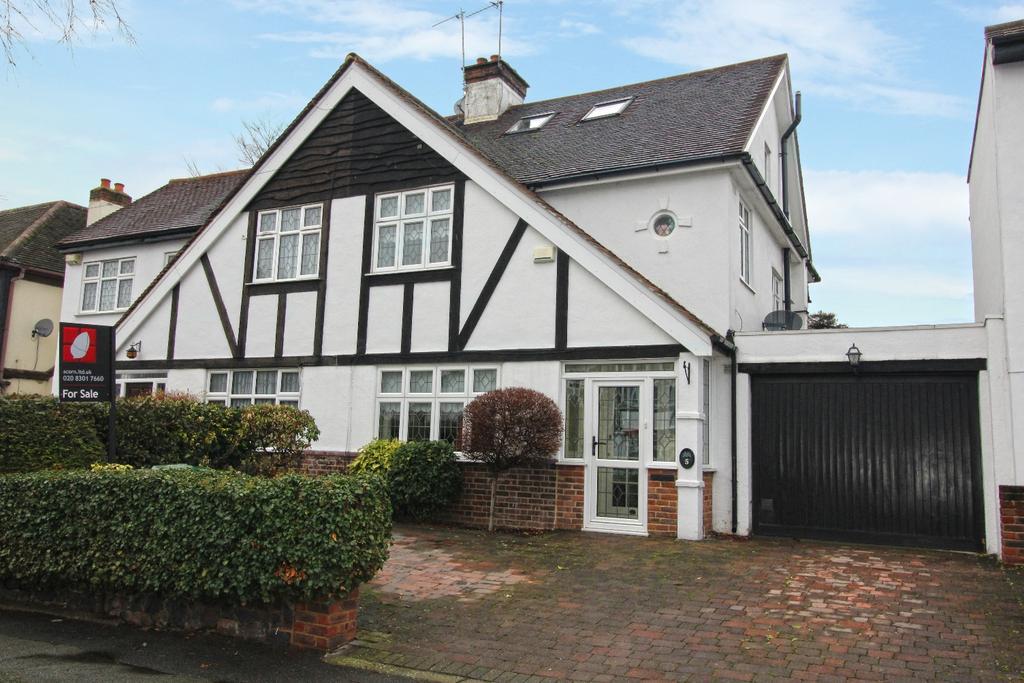 4 Bedrooms Semi Detached House for sale in Martin Dene Bexleyheath DA6