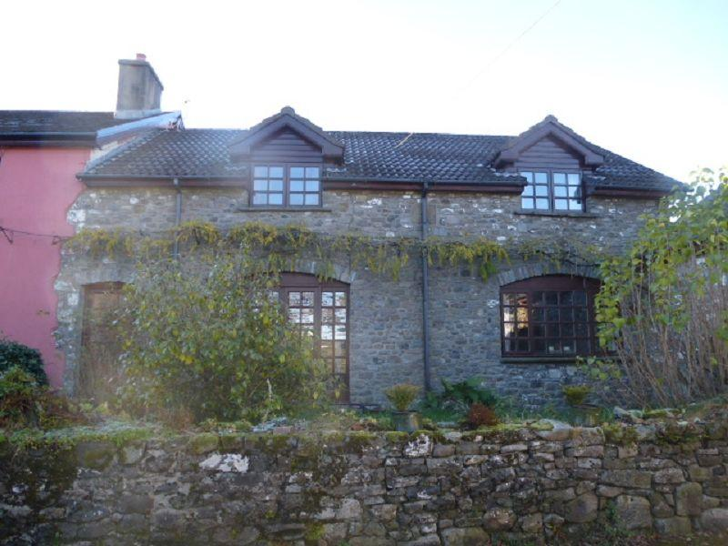 3 Bedrooms Cottage House for rent in Glanddu, Capel Isaac, Carmarthen, Carmarthenshire.