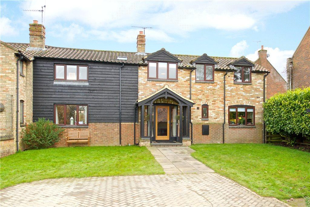 3 Bedrooms Barn Conversion Character Property for sale in Manor Farm Barns, Church Road, Westoning, Bedfordshire