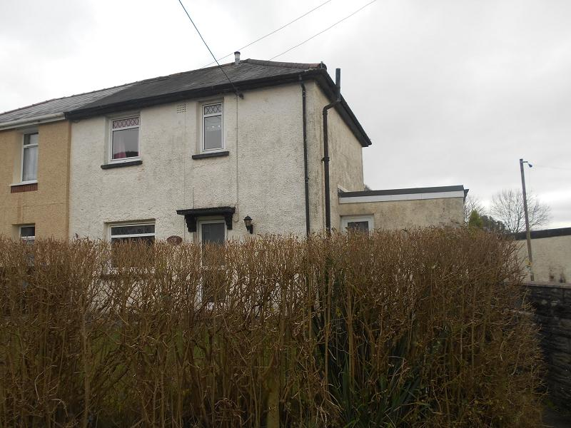 3 Bedrooms Semi Detached House for sale in Jubilee Crescent, Neath, Neath Port Talbot.