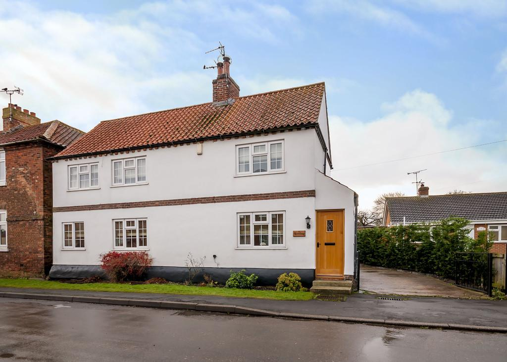 3 Bedrooms Cottage House for sale in Low Street, East Drayton, Retford