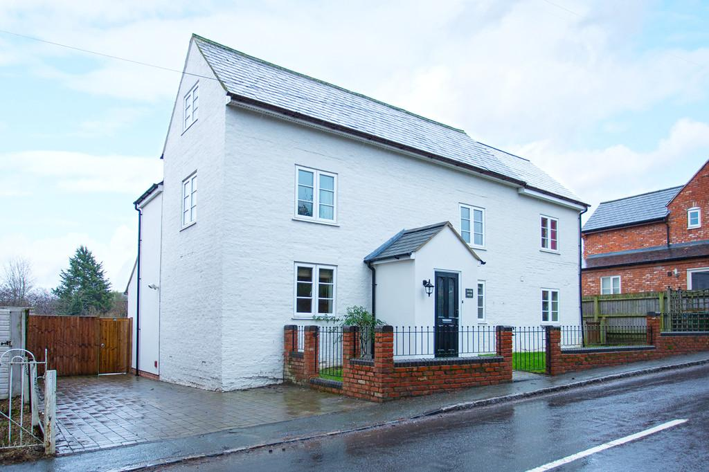 4 Bedrooms Detached House for sale in Main Street, Akeley