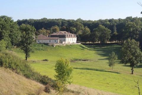 11 bedroom detached house  - Chateau With Cottage and 22 Ha, Agen, Lot-Et-Garonne