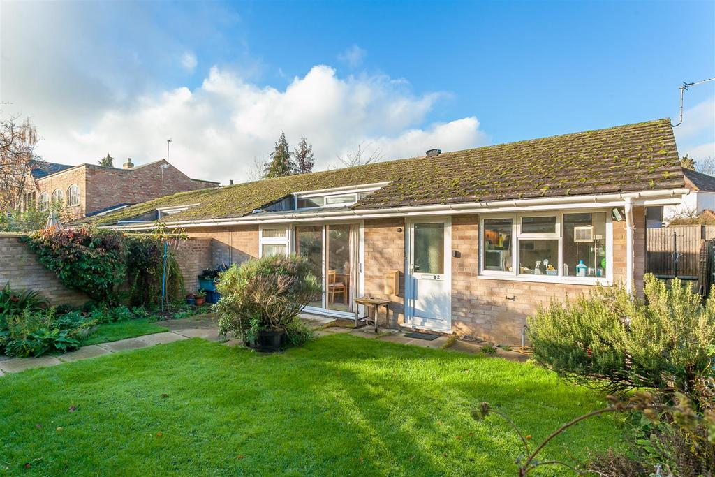 2 Bedrooms Semi Detached House for sale in Heron Place, North Oxford