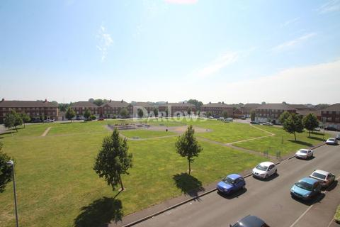 2 bedroom flat for sale - Beaufort Square, Pengam Green, Cardiff