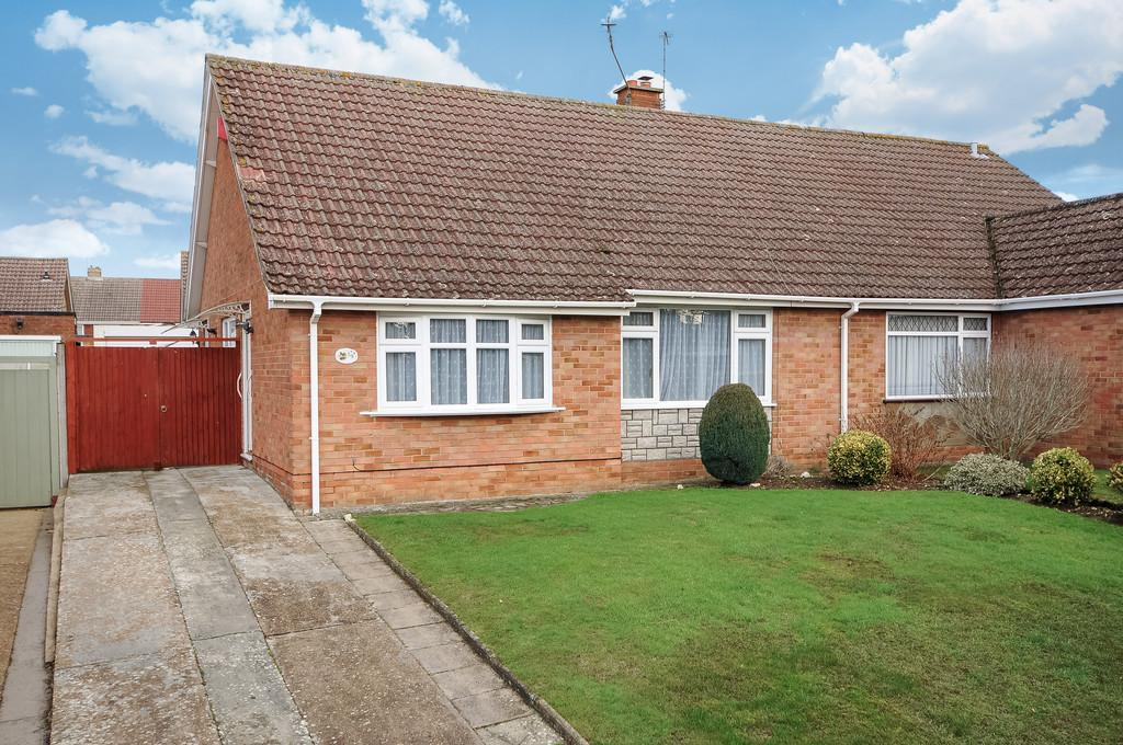 2 Bedrooms Semi Detached Bungalow for sale in Wesley Close, Barming