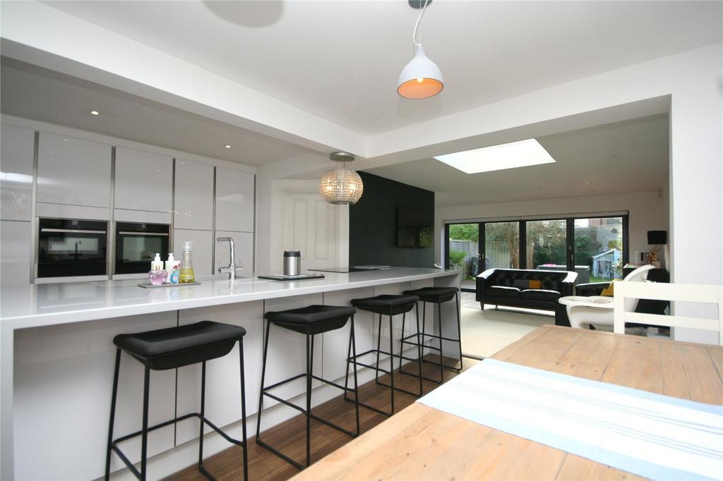 4 Bedrooms House for sale in London Road, Charlton Kings, Cheltenham, GL52