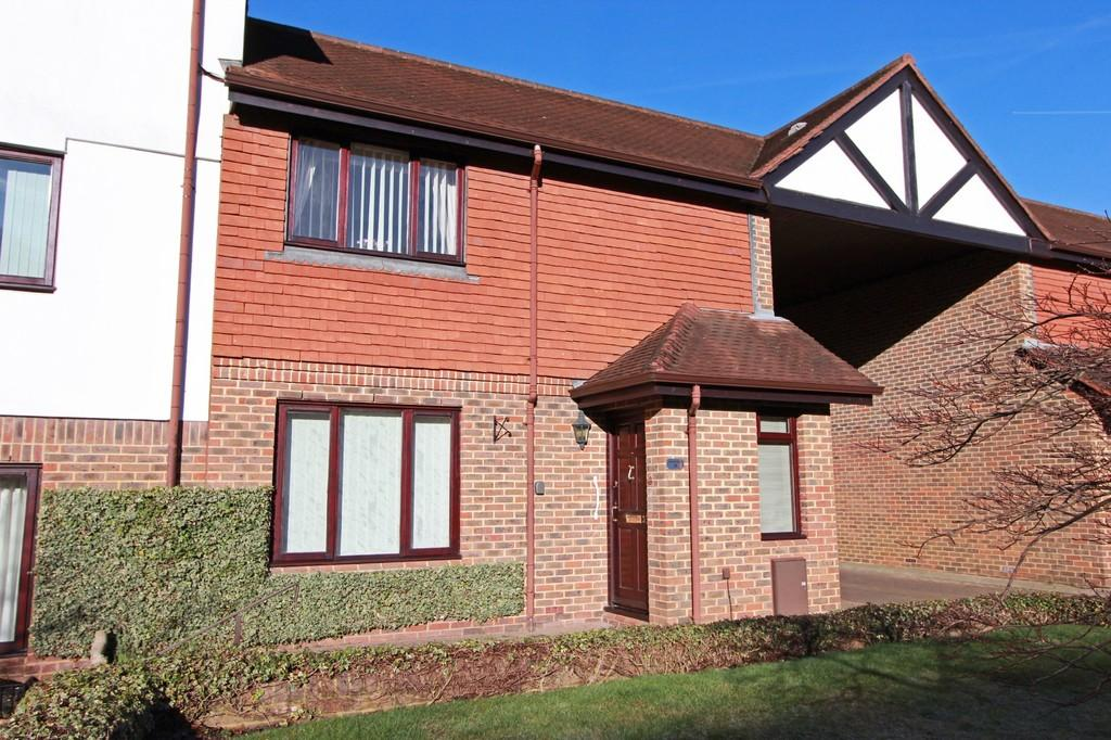 2 Bedrooms Cottage House for sale in The Avenue, Tadworth