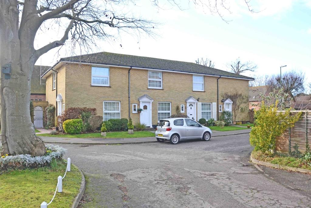 2 Bedrooms Terraced House for sale in St. Anthonys Way, Rustington