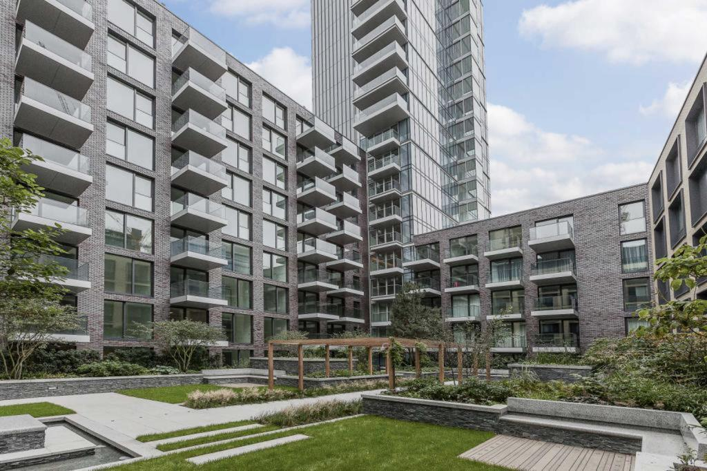 1 Bedroom Apartment Flat for sale in Goodmans Field, E1